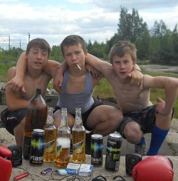 russians-squatting (17)