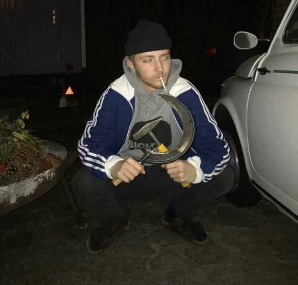 russians-squatting (18)