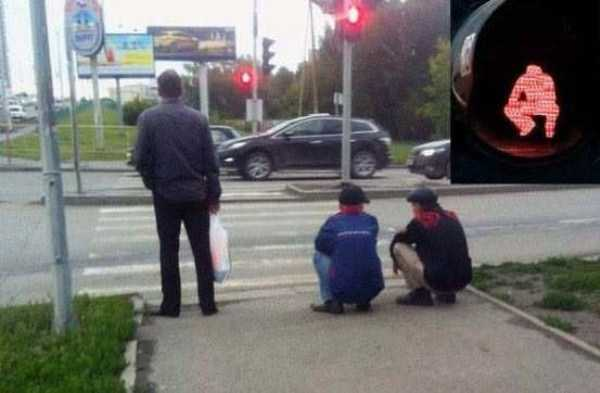russians-squatting (21)