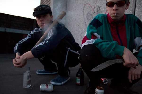 russians-squatting (25)