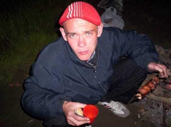 russians-squatting (34)