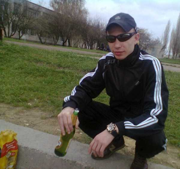 russians-squatting (38)