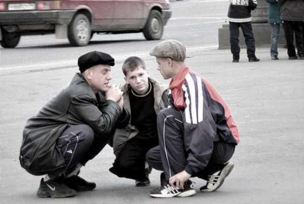 russians-squatting (49)