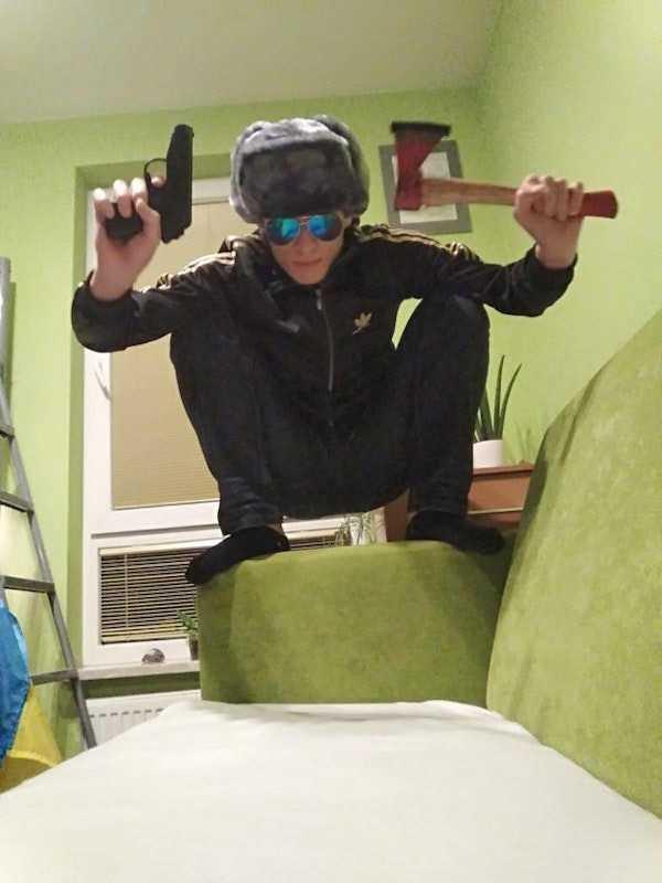 russians-squatting (5)