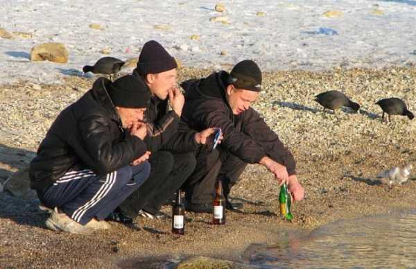 russians-squatting (50)