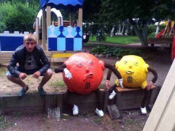 russians-squatting (52)
