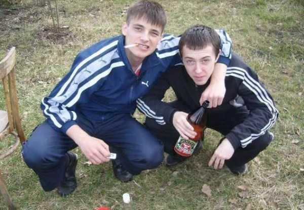 russians-squatting (53)