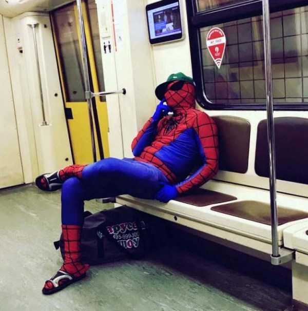weird-subway-fashion (1)