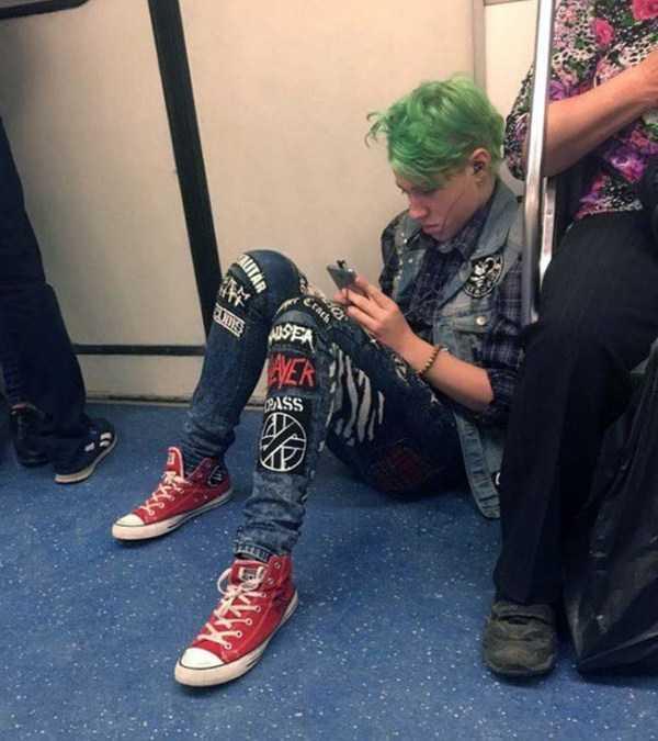 weird-subway-fashion (19)