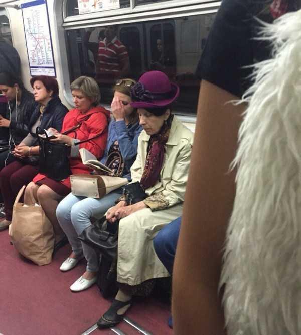 weird-subway-fashion (25)