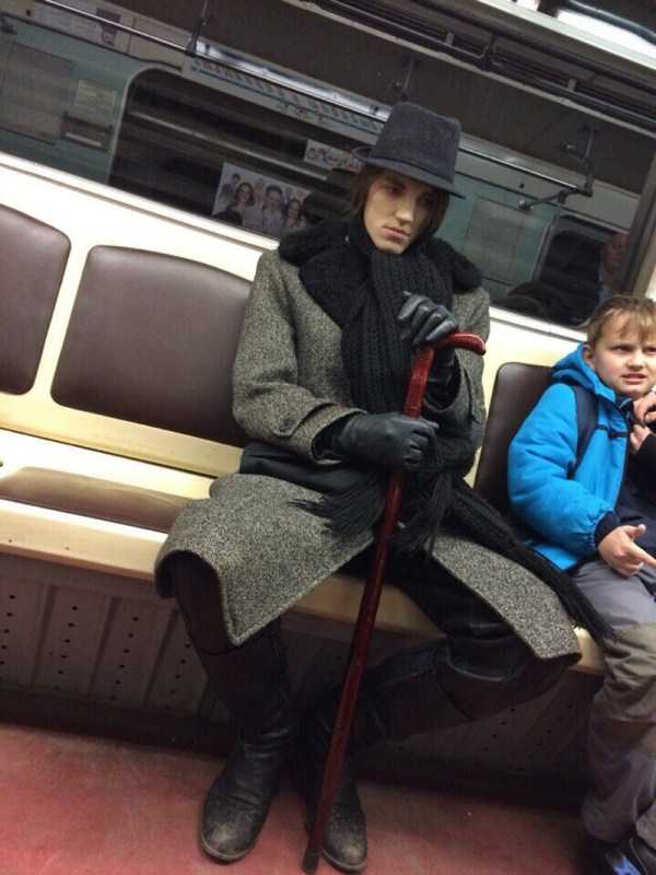 weird-subway-fashion (28)