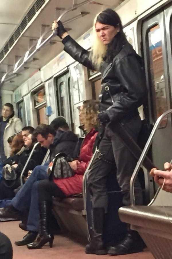 weird-subway-fashion (3)