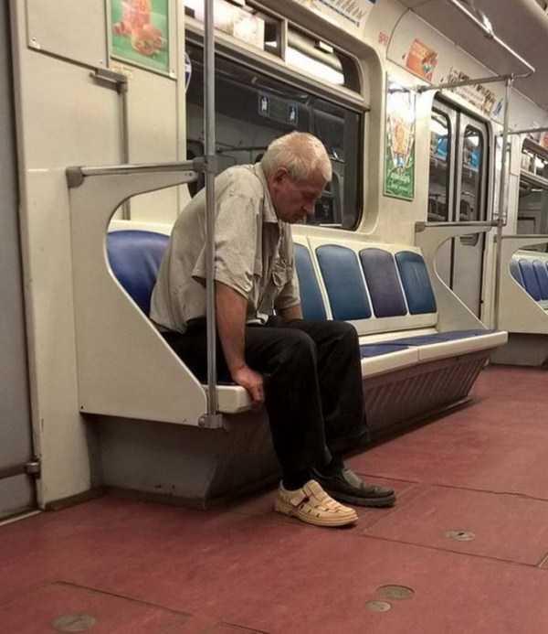 weird-subway-fashion (30)