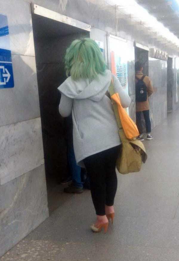 weird-subway-fashion (33)