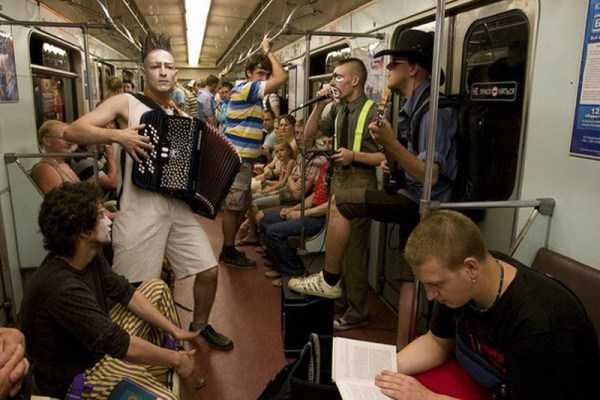 weird-subway-fashion (35)