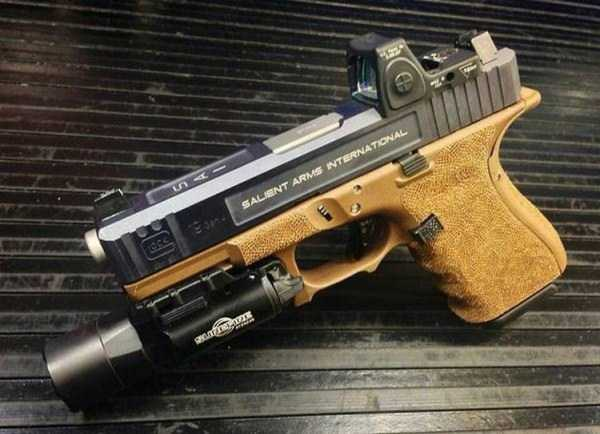 cool-custom-handguns (3)