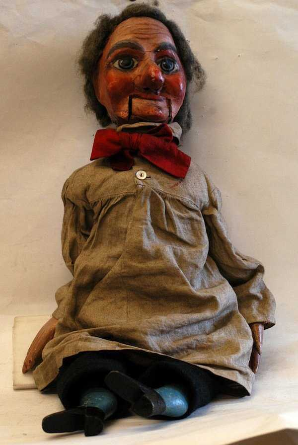 scary-ventriloquist-dolls (6)