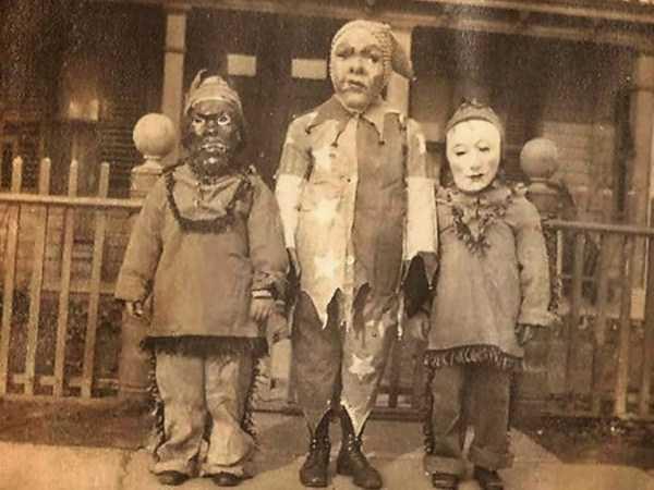 vintage-halloween-costumes (1)