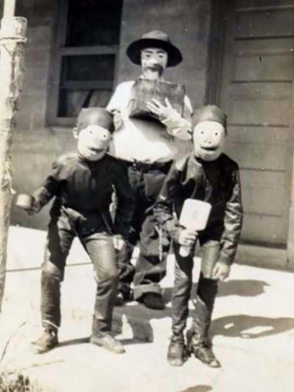vintage-halloween-costumes (12)