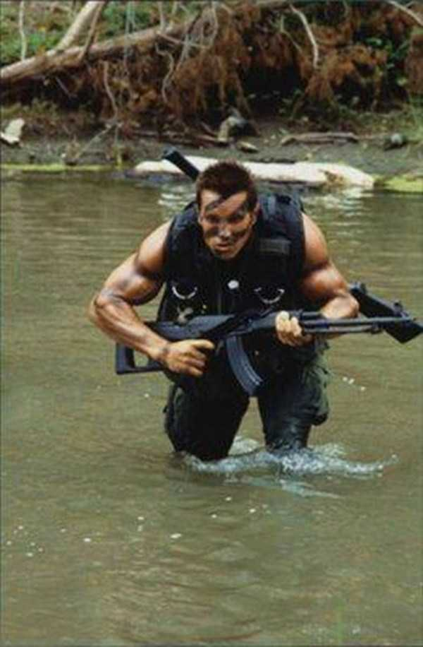 behind-the-scenes-of-the-commando-movie-6