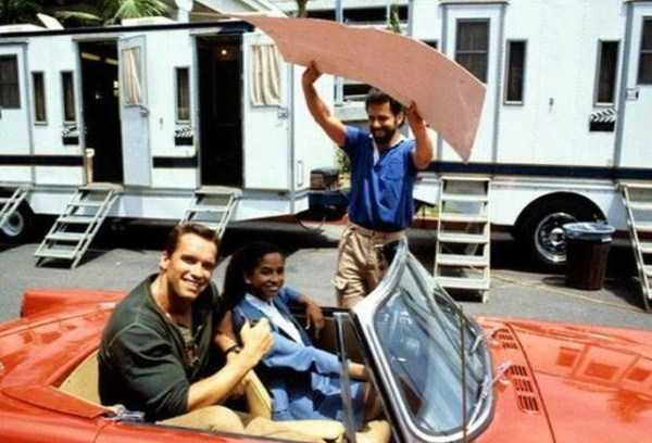 behind-the-scenes-of-the-commando-movie-9