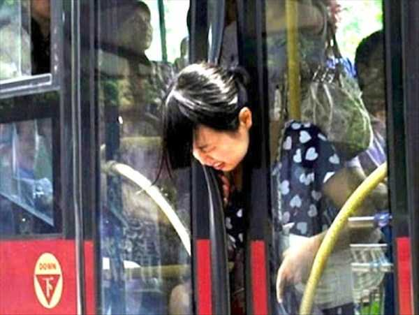 strange-images-public-transportation (12)