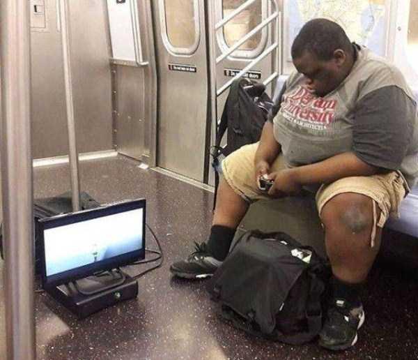 strange-images-public-transportation (23)