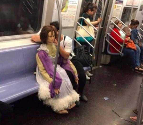 strange-images-public-transportation (30)