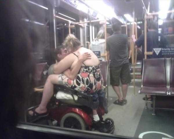 strange-images-public-transportation (4)
