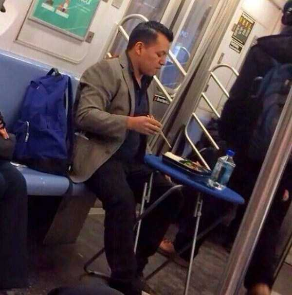 strange-images-public-transportation (50)
