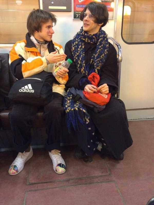 strange-subway-fashion-russia (11)