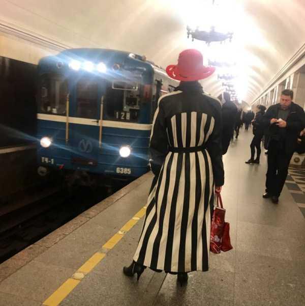 strange-subway-fashion-russia (13)