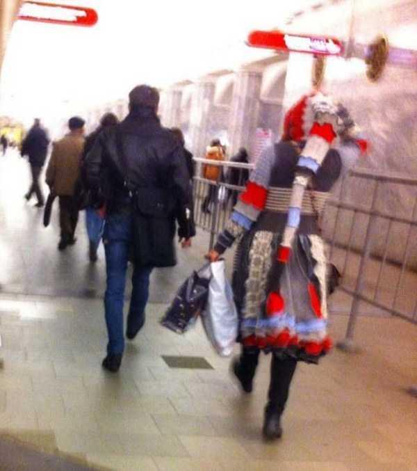 strange-subway-fashion-russia (14)