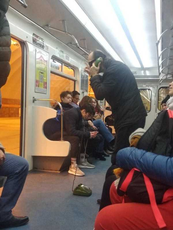 strange-subway-fashion-russia (17)