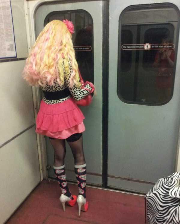 strange-subway-fashion-russia (18)