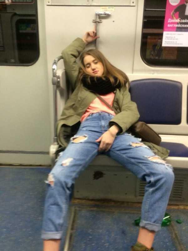 strange-subway-fashion-russia (2)