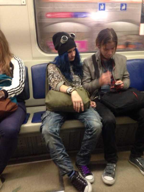 strange-subway-fashion-russia (25)