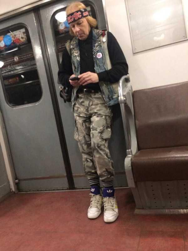strange-subway-fashion-russia (28)