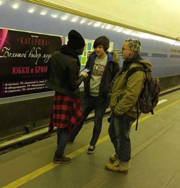 strange-subway-fashion-russia (3)