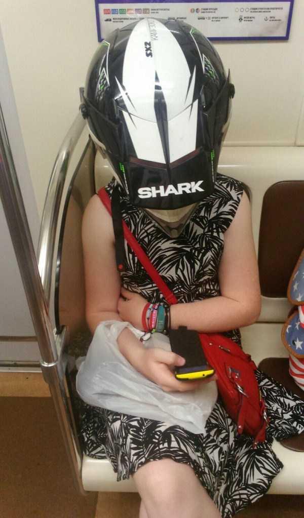 strange-subway-fashion-russia (32)