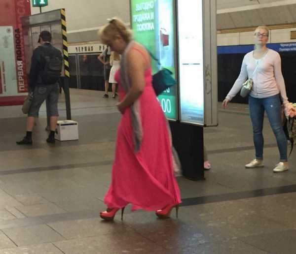 strange-subway-fashion-russia (36)
