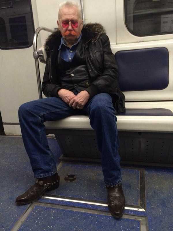 strange-subway-fashion-russia (37)