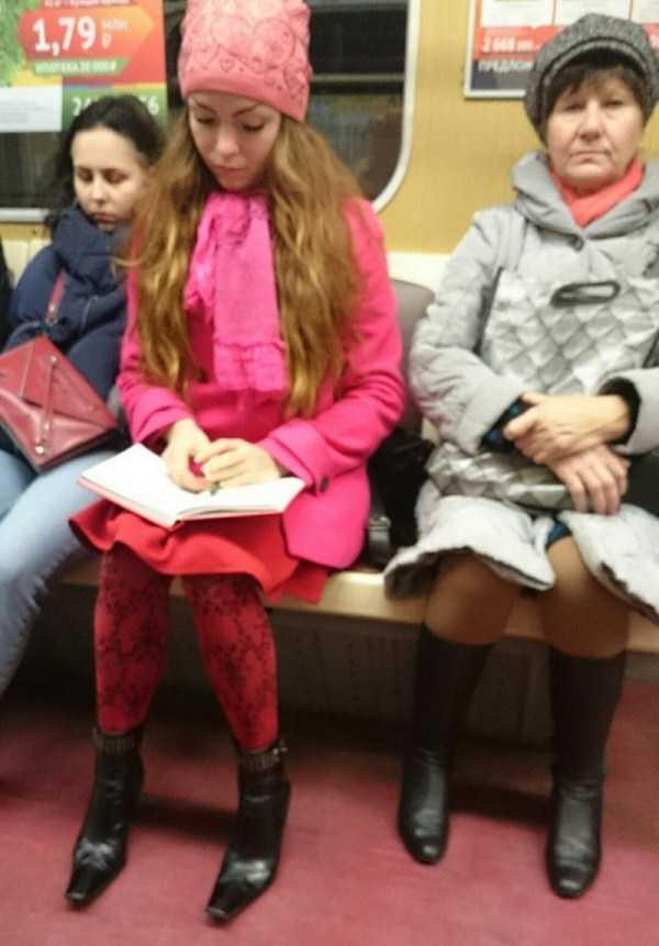strange-subway-fashion-russia (7)