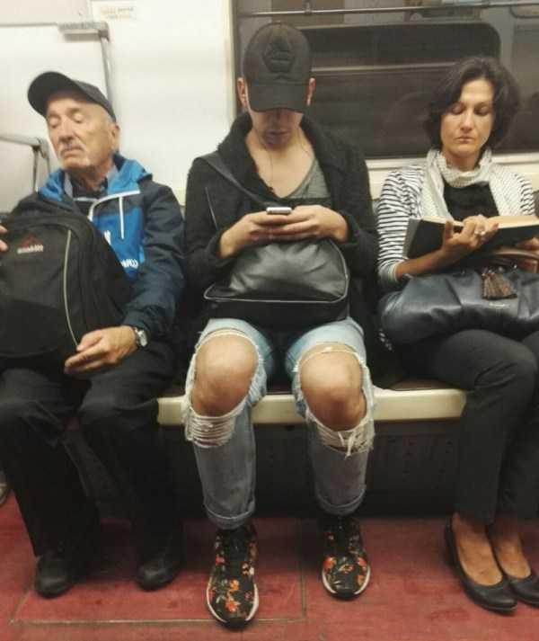strange-subway-fashion-russia (8)