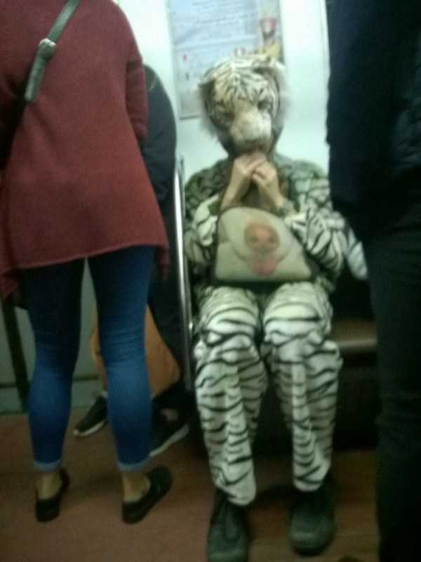 wtf-russian-metro-fashion (16)