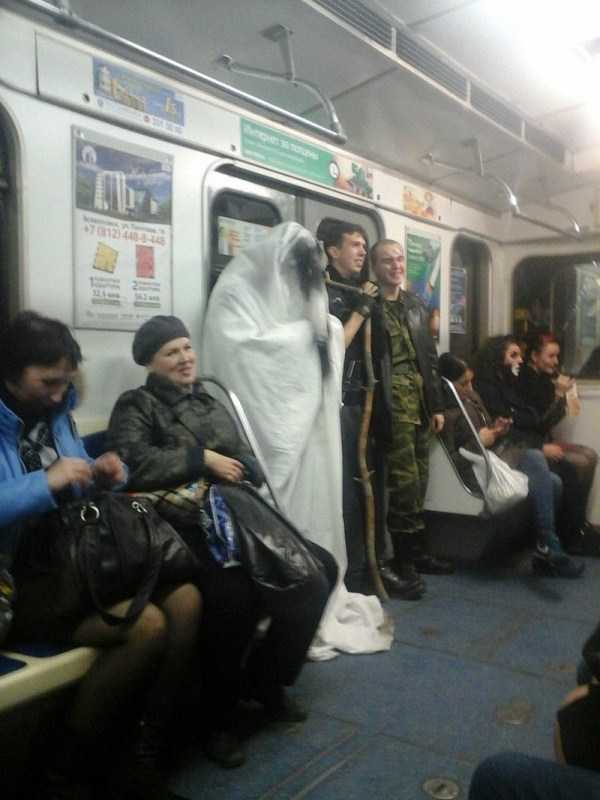 wtf-russian-metro-fashion (25)