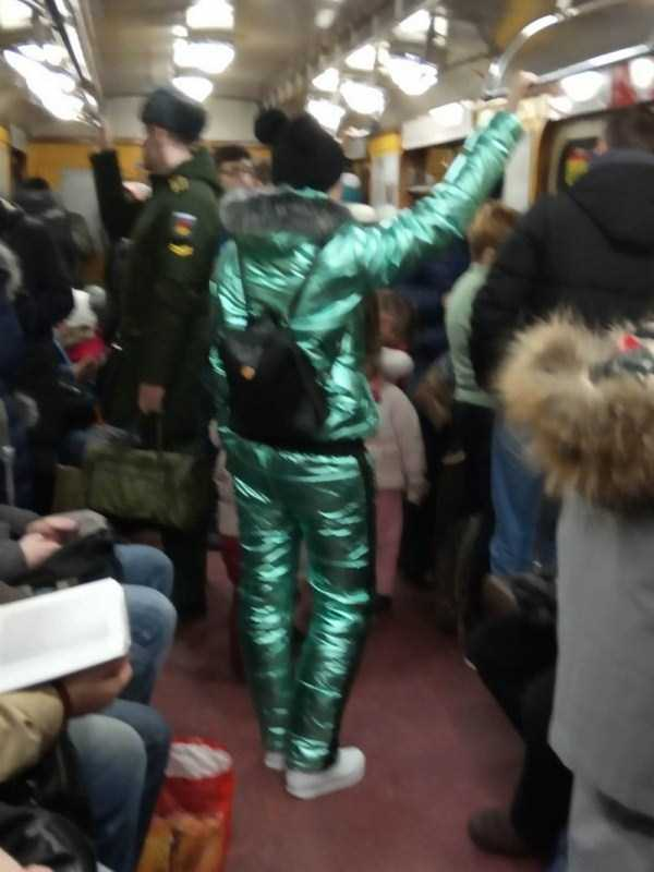weird-russian-metro-fashion (17)