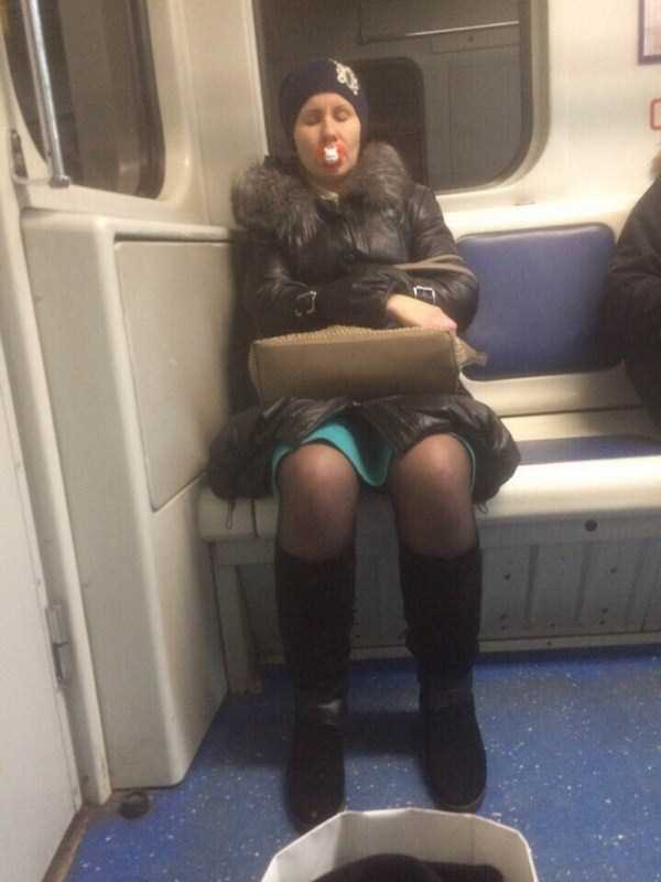 weird-russian-metro-fashion (29)