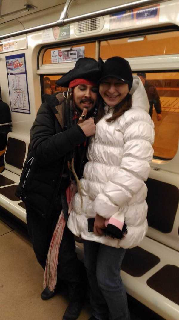 weird-russian-metro-fashion (32)