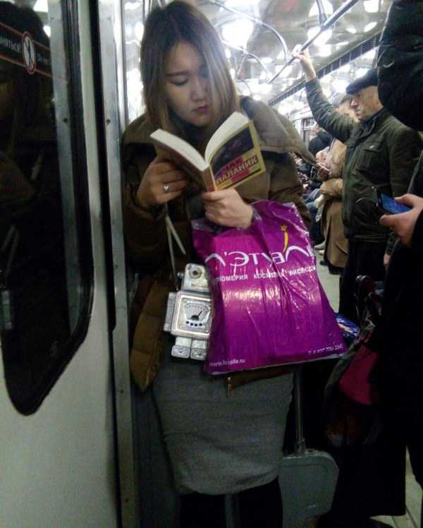 weird-russian-metro-fashion (39)
